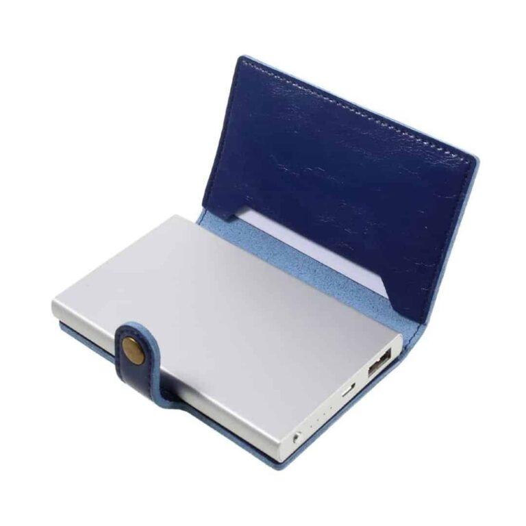 Powerbank-5000-mah-i-laederetui-blaa
